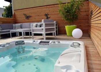 sundance-hot-tub-deck-installation-in-wichita