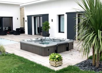 sundance-hot-tub-installation-modern-deck-in-wichita
